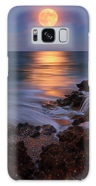 Harvest Moon Rising Over Beach Rocks On Hutchinson Island Florida During Twilight. Galaxy Case by Justin Kelefas