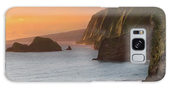 Ocean Sunset Galaxy S8 Case - Hawaii Sunrise At The Pololu Valley Lookout 2 by Larry Marshall