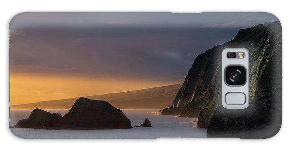Helicopter Galaxy S8 Case - Hawaii Sunrise At The Pololu Valley Lookout by Larry Marshall