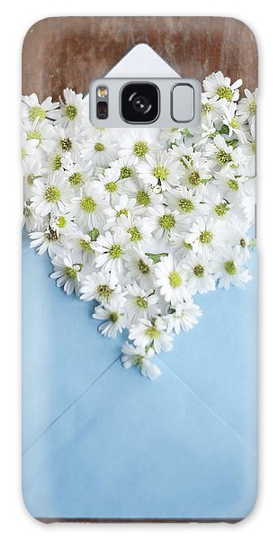 Heart Shaped Daisies In Blue Envelope Galaxy Case