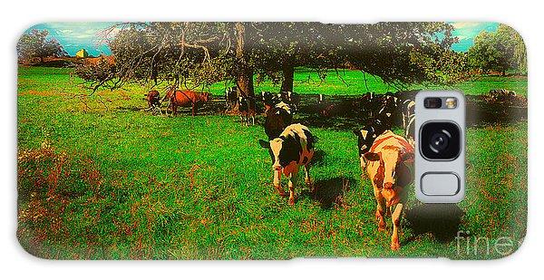 Hebron Il Cows Pasture Galaxy Case