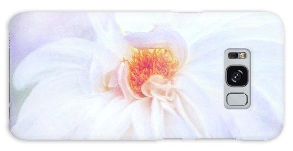 Here Comes The Bride - A Beautiful White Dahlia Galaxy Case