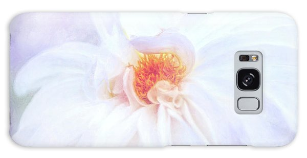 Here Comes The Bride - A Beautiful White Dahlia Galaxy Case