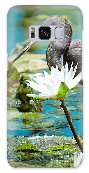 Heron With Water Lillies Galaxy Case