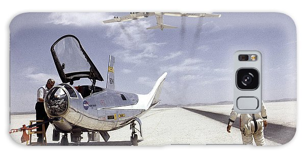 Hl-10 On Lakebed With B-52 Flyby Galaxy Case