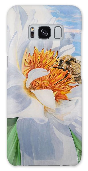 Honey Bee On White Flower Galaxy Case by Sigrid Tune