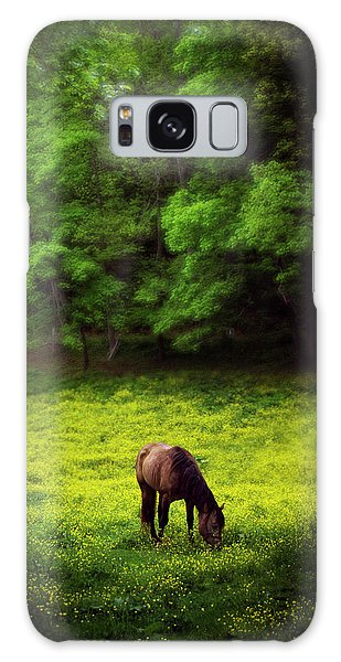 Horse In Flowers Galaxy Case
