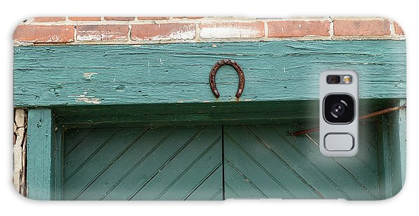Horse Shoe On Old Door Frame Galaxy Case