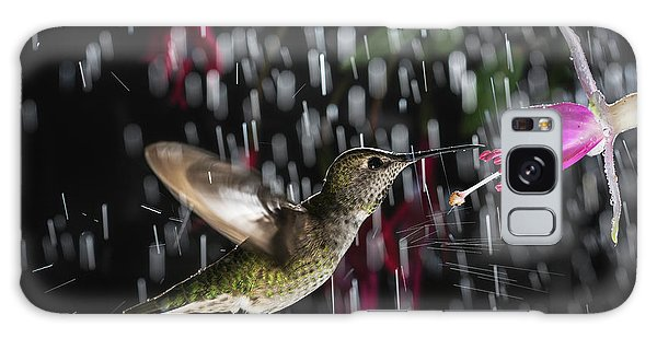 Hummingbird Hovering In Rain With Splash Galaxy Case