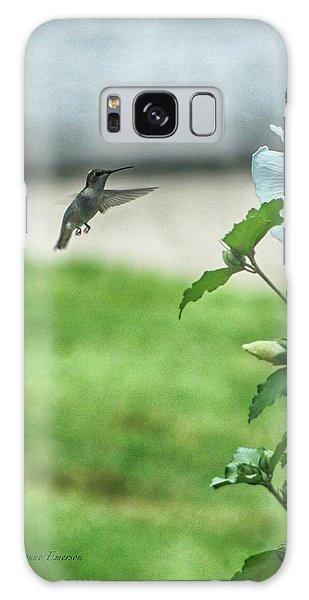 Hummingbird In Flight Galaxy Case