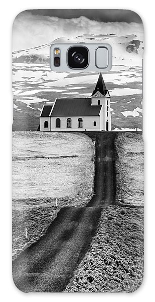 Iceland Ingjaldsholl Church And Mountains Black And White Galaxy Case