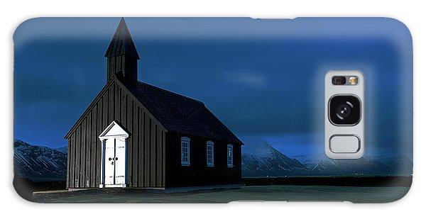 Galaxy Case featuring the photograph Icelandic Church At Night by Dubi Roman