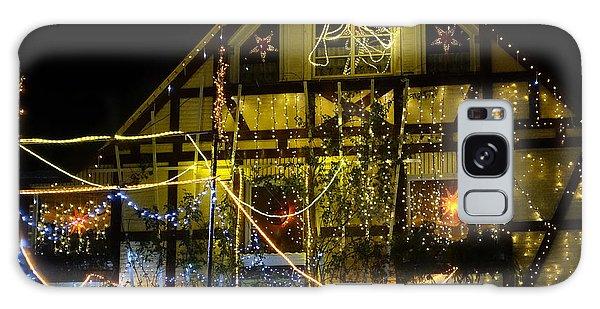 Illuminated Christmas-house Galaxy Case