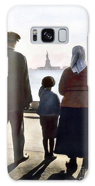 Immigrants: Ellis Island Galaxy Case