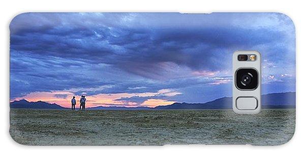 Impromptu Meeting In The Desert Galaxy Case