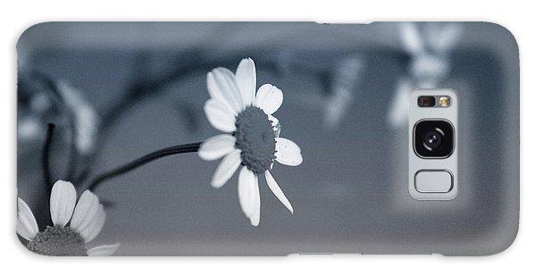Daisy Galaxy S8 Case - Indigo Daisies 1- Art By Linda Woods by Linda Woods