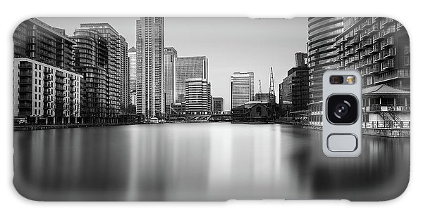 Inside Canary Wharf Galaxy Case by Ivo Kerssemakers