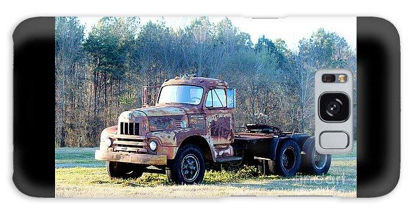 International Harvester R200 Series Truck Galaxy Case