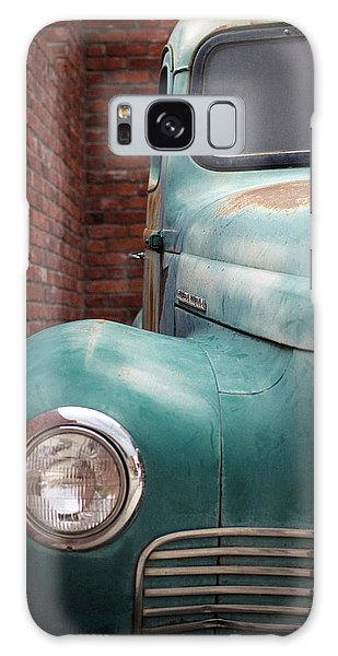 Galaxy Case featuring the photograph International Truck 1 by Heidi Hermes