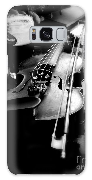 Irish Fiddle On A Break Galaxy Case