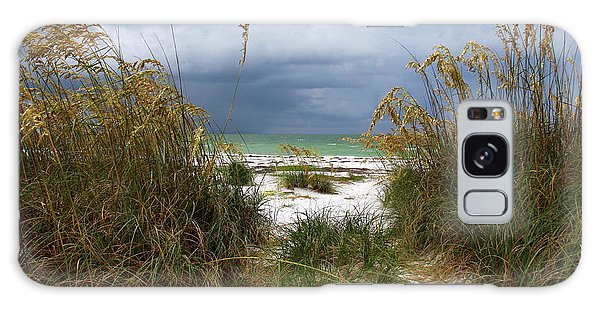 Island Trail Out To The Beach Galaxy Case