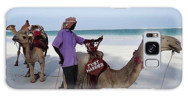 Just Married Camels Kenya Beach 2 Galaxy Case