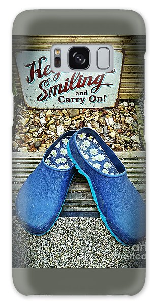 Keep Smiling And Carry On Galaxy Case