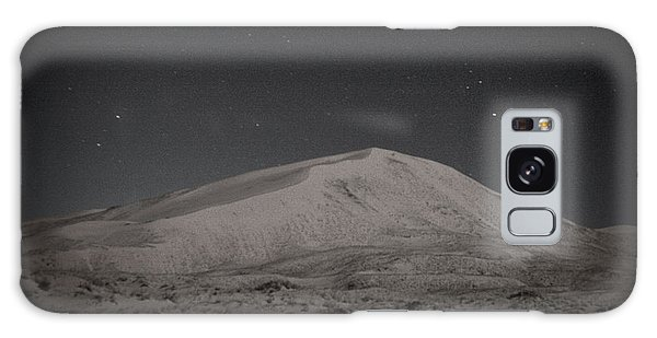 Kelso Dunes At Night Galaxy Case by Nature Macabre Photography