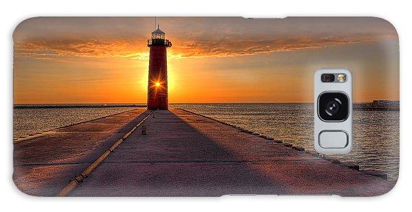 Kenosha Lighthouse Sunrise Galaxy Case