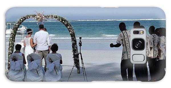 Exploramum Galaxy Case - Kenya Wedding On Beach Happy Couple by Exploramum Exploramum