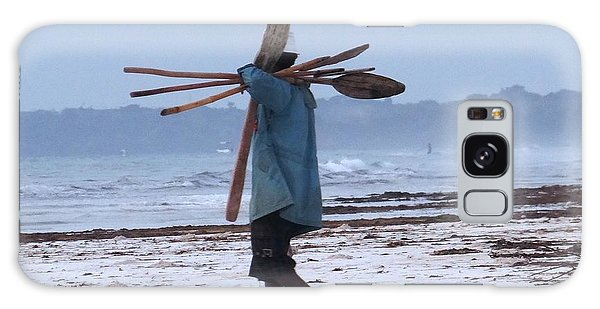 Exploramum Galaxy Case - Kenyan Fisherman And Oars by Exploramum Exploramum