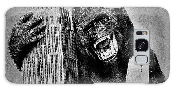 Galaxy Case - King Kong Selfie B W  by Rob Hans
