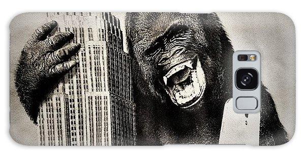 Galaxy Case - King Kong Selfie by Rob Hans
