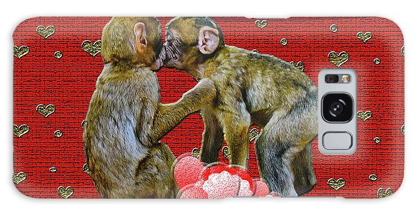 Kissing Chimpanzees Hearts Galaxy Case