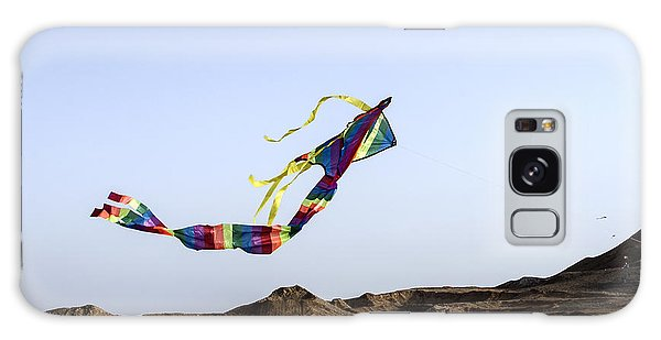 Kite Dancing In Desert 02 Galaxy Case