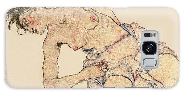 Female Galaxy Case - Kneider Weiblicher Halbakt by Egon Schiele