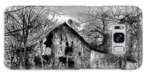 Kudzu Covered Barn In The Mississippi Delta Galaxy Case
