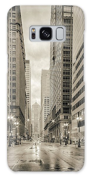 Lasalle Street Canyon With Chicago Board Of Trade Building At The South Side - Chicago Illinois Galaxy Case
