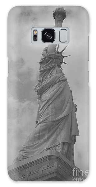 Lady Liberty Galaxy Case by Louise Fahy