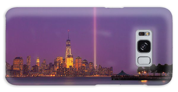 Laser Twin Towers In New York City Galaxy Case