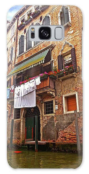Galaxy Case featuring the photograph Laundry Drying In Venice by Anne Kotan