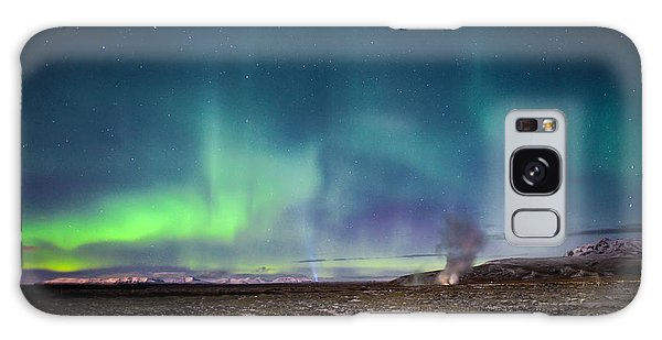 Lava And Light - Aurora Over Iceland Galaxy Case