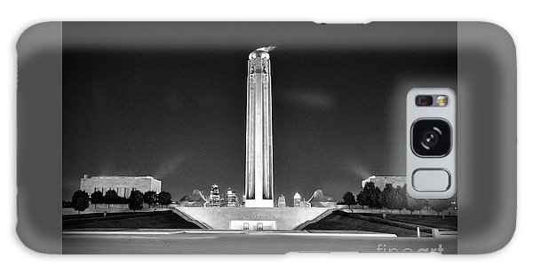 Liberty Memorial In Kansas City Bw Galaxy Case