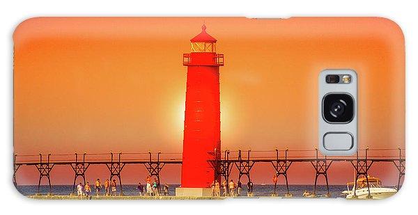 Catwalk Galaxy S8 Case -  Lighthouse Grand Haven Sunset, Michigan by Art Spectrum
