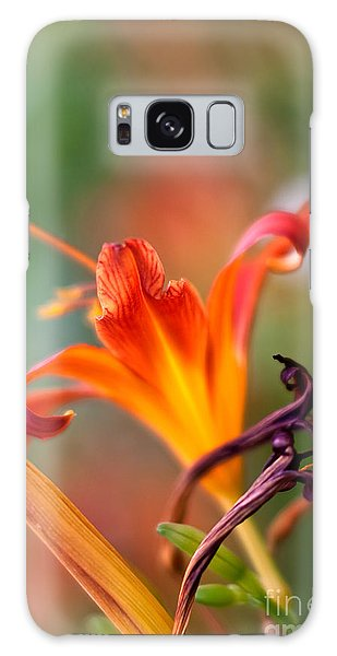 Pollen Galaxy Case - Lilly Flowers by Nailia Schwarz