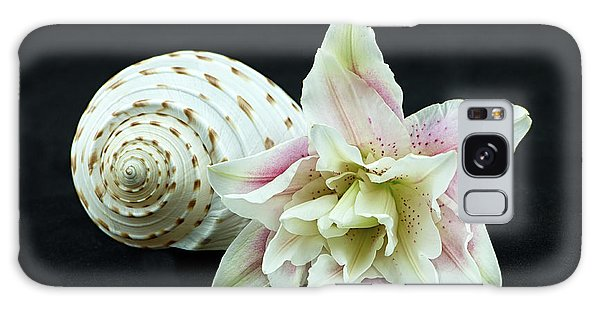 Lily And Shell Galaxy Case