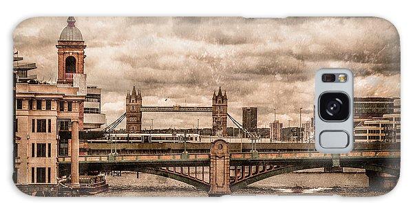 London, England - London Bridges Galaxy Case