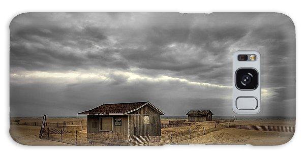 Shed Galaxy Case - Lonely Beach Shacks by Evelina Kremsdorf