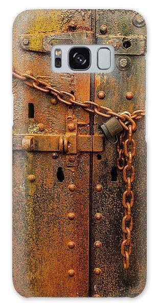Long Locked Iron Door Galaxy Case