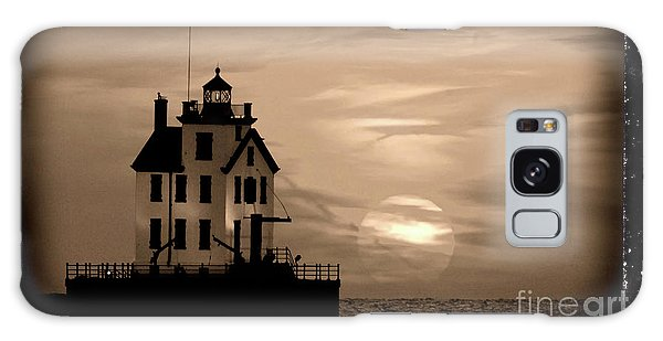 Lorain Lighthouse - Lake Erie - Lorain Ohio Galaxy Case